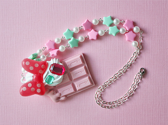 Kawaii melting chocolate necklace