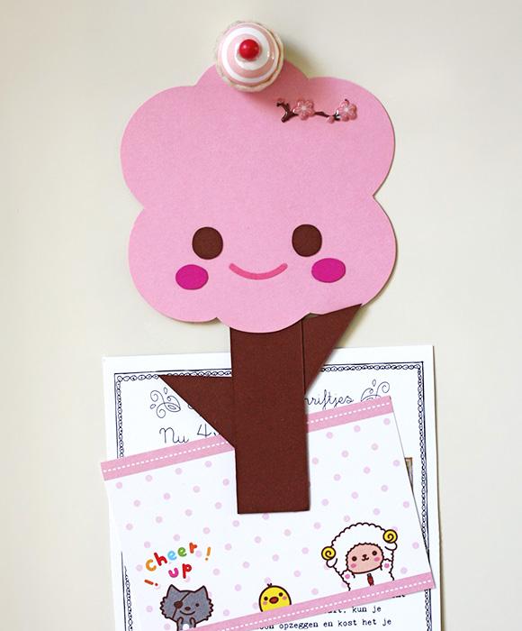 Kawaii Magnetic Sakura Tree Clip - paper holder