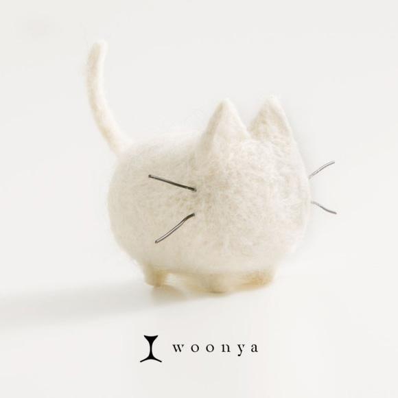 Woonya: White needle felted kawaii cat